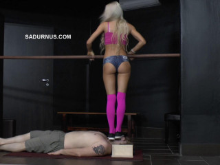 Mistress Ariel - Ariel Stands On His Face