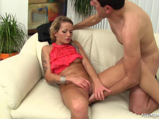 Naughty Hot Lady Have A Fun With Her Man