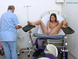 Sarah Kay (21 years lady obgyn exam)