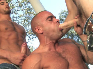 Tommy Defendi, Donny Wright and Damien (Giants) - Falcon