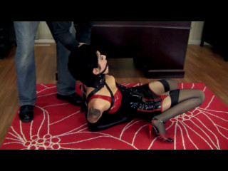 Johannie - Latex Bound Fantasy