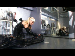 Kinky Rubber Excess