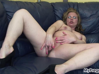 Pregnant Suzy Can`t stop fucking herself
