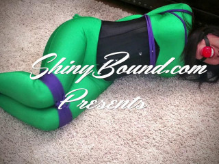 Gigi - Green Hogtie - rigging