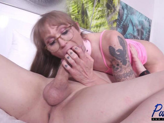 Jessi Gunn - Mature Sex Doll Gets Fucked and Loves It