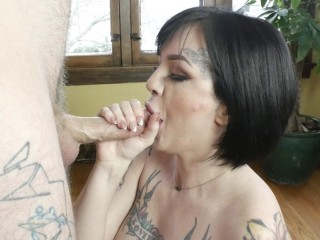 Lola Luscious - Good Cucks Suck Cock: Lola Shows How