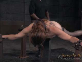 Bella Rossi's BaRS show continues with breathplay rough fucking