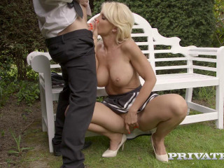 Tiffany Rousso the MILF and the Waiter HD 720p