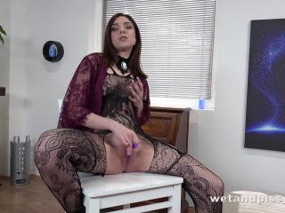 Kira Axe - Tempting Teen