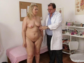 Yvonne - 55 years lady gyno examination