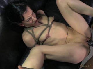 Lil' Elise Graves fuckpuppet fucked, brutish gargle on Ten inch BBC