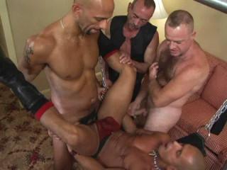 Wet Gang Plumb For Cock-squeezing Crevices