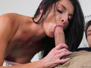 Silvia Saige - Mommy Porn (2018)