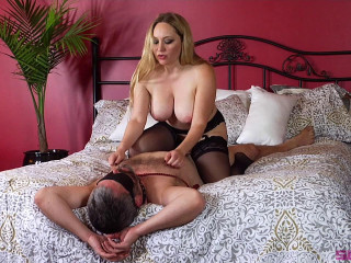 Unsatisfied Wife Treats Herself to Fabulously Huge Cock