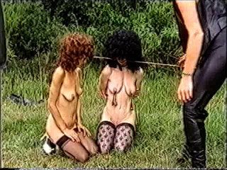 Gefolterte Sklavinnen