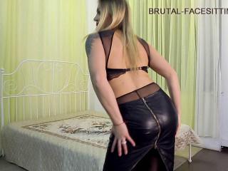 Brutal-Facesitting - Domme Luisa