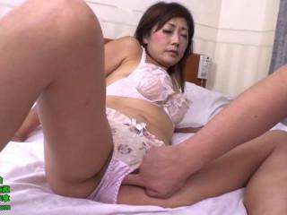 Indulgent woman, Nishida boy