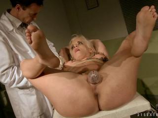 Medical fetish - Bonny Bon, Kathia Nobili