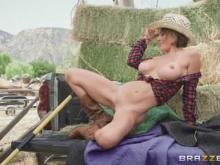 Krissy Lynn - Southern Hospitality FullHD 1080p