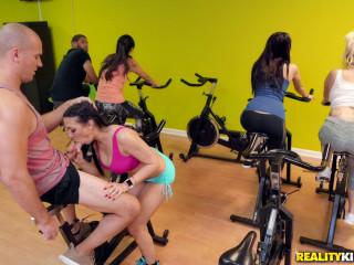 Rachel Starr, Sean Lawless - Sneaky Spinning FullHD 1080p