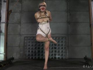 Winnie the Whiner - Winnie Rider, Masturbate Hit