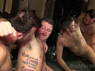 dura - Bathroom Barebacking (Chris Mathews & Mason Lear)