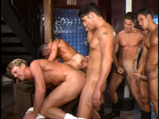 Muscle Gangsters In Rough Orgy