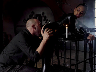 Ginebra Bellucci - Anal At The Monastery 1080p