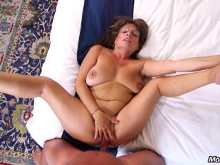 Carry Ann - Sexy cougar slut prime for porn FullHD 1080p