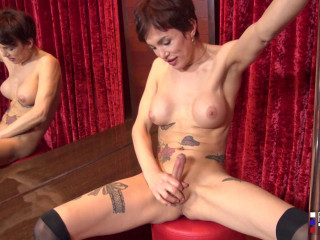 Lovely Stripper Holly Cums For You