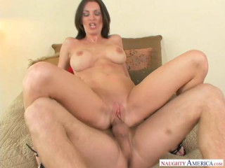 Brandi Edwards loves to fuck
