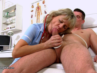 Gorgeous Czech doctor lady Viola a blowjob at clinic