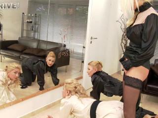 True blondes, true beauties, true vagina bandits, the pee game hour