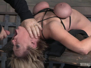 Dee Williams - Brutally face drilled on a sybian!