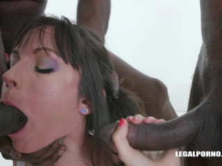Candice Enjoys Black Cocks For The First Time - Full HD 1080p