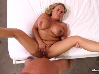 Crissy - Hot wife make porn debut (2019)
