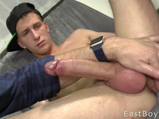 EastBoys Part 2 Hand job and Cum shot - Thomas Fiaty