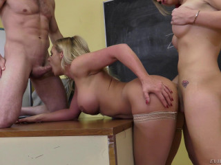 Aubrey Kate & Phoenix Marie In Hot Threesome Fuck