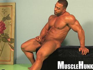 MuscleHunks - Titan - Dominican Pump