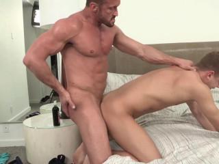 Myles Landon romps Ian Levine's ass-hole (1080p)