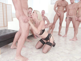 Natalie Cherie 7on1 Gangbang