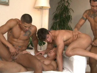Gangbang City With Hot Males