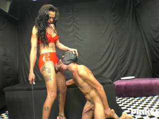 Keylla Commands Her Slave And She Fucks Him In The Ass