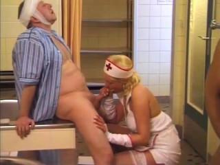 Sex Brunt Berlin# 7: Die Pisskur