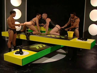 Fist Gangbang Party