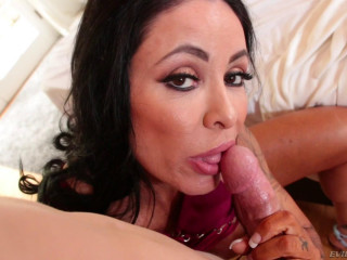 Insatiable Cougar Simone Garza Porked By Youthful Boy