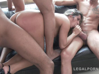 Mia Linz 3on1 monster cock fuck session with DP & pee