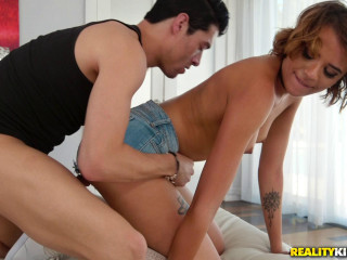 Eve Ellwood, Xander Corvus - The Baby sitters Beefstick FullHD 1080p