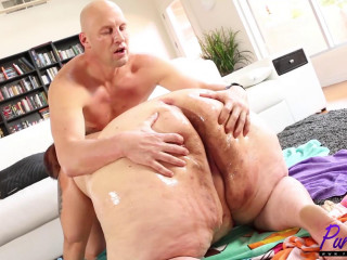 Oiled up Ssbbw gets tucked with a big dick