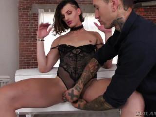 Allysa's Anal Fuck Date